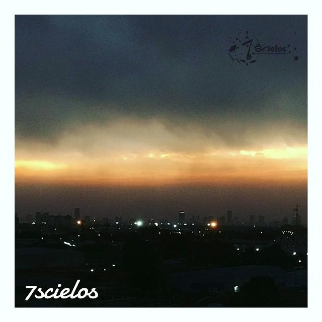 S.K.Y.  Una Mirada al Cielo!...   #sky #cielo #clouds #sunset #unamiradaalcielo #cdmx #photo
