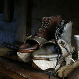 shoos old middleages photo love