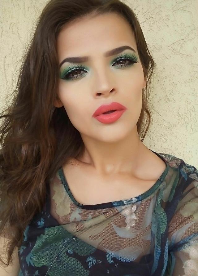 🌹Thank you so much for 7K followers!🌹      #me #girl #noedited #nofilter #model #makeup #neonmakeup #green #coral #lips #eyes #hair #freetoedit      @-djjdjffj @shoeb5 @prabh27 @gata-93