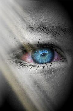 eye art bloody bloodshoteyes closeup