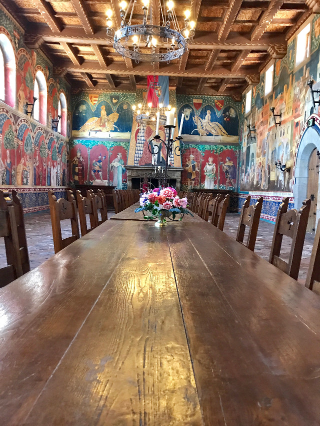 #table #paintings #challender #castle #napavalley