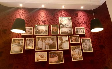 cafe redwallpaper pictures decoration lamps