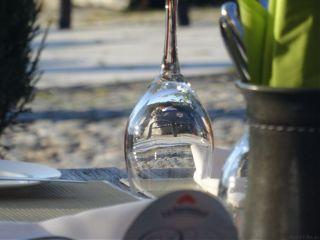 nofilter restaurant glass
