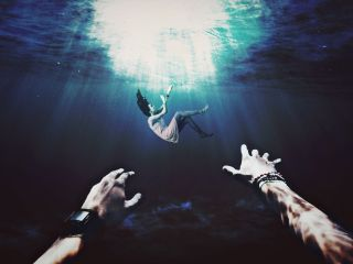 freetoedit drowning girl rescue hands