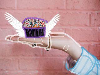 freetoedit cake muffin hand line