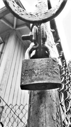 fortress lock blackandwhite fattaleffect freetoedit