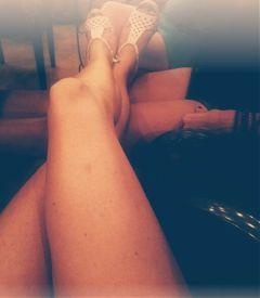 freetoedit legs tan winetasting temecula