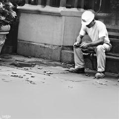 dpcmen newyorkcity streetphotography workingman blackandwhite freetoedit