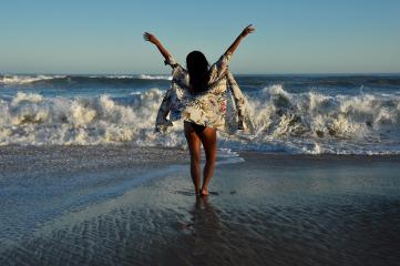 beach montauk girlsweekend dpcmyweekend dpcstrikeapose
