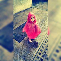 rain dadanddaughter walking