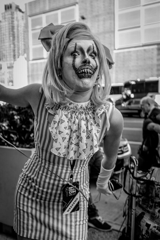 Drag con 2017 #dragcon #street #streetphotography #newyorkcity #blackandwhitephotography