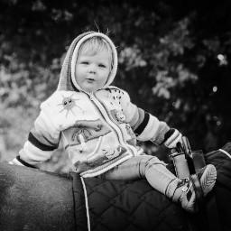 child horse love