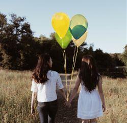 freetoedit balloon girls holdinghands friebdship