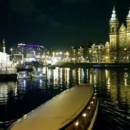strandedin amsterdam bynight canals centralstation