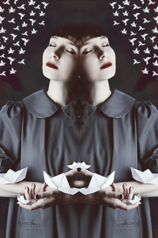 💠  #origami #paperboat #seafoameffect #symmetry #mirroreffect #distort #pa