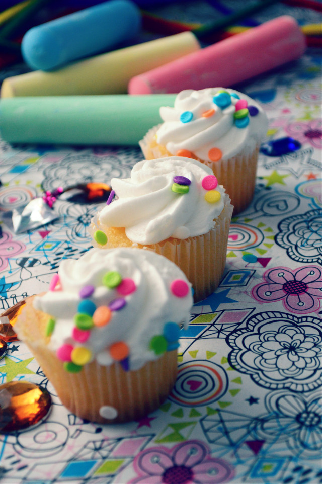 sweet spot  #cupcakes #sweets #onthetable #artsandcrafts #diy #colours #doodle #foodie #kiddie