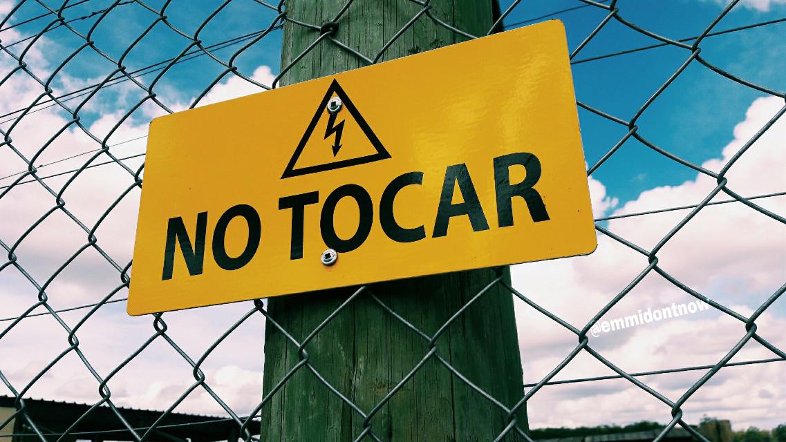 #donttouch #wallpaper #myphoto #warning #advertencia #señales #pinterest #tumblr