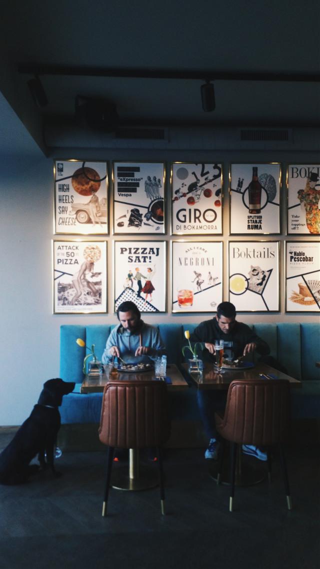 #interiordesign #friends #dog #restourant #posters #photography #split # croatia #pizzaplace