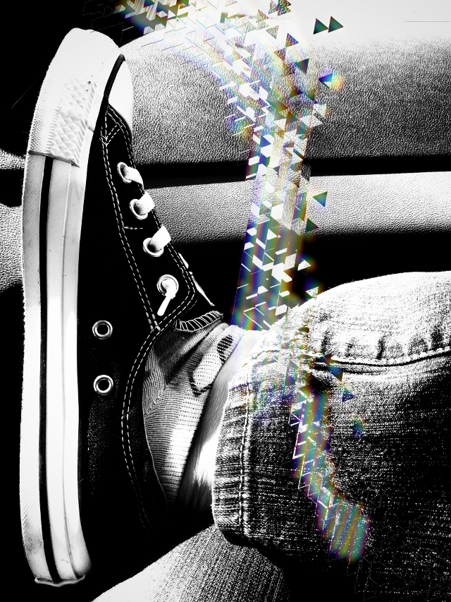 #freetoedit #converseshoes #travel #shoesoftheday #myfavorit #photography #blackandwhitephotography