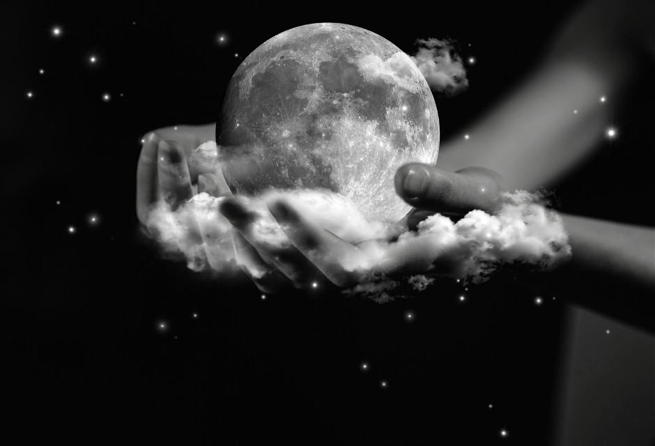 #freetoedit #doubleexposure #lightsbrush #blackandwhite #hands #clouds #lunar  Op @freetoedit @picsart