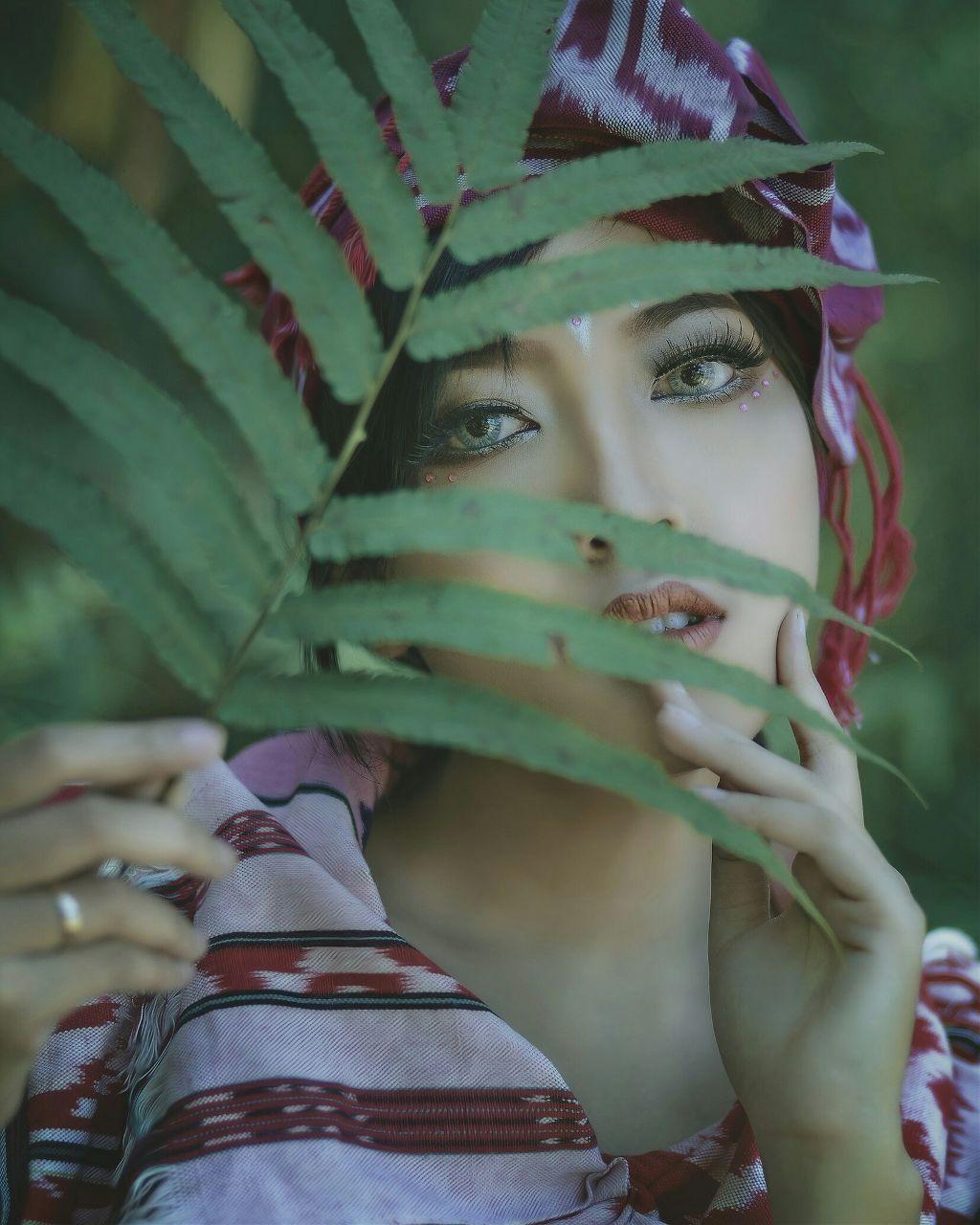 Beauty face Green & beaty #colorsplash #love #photography #vintage #drama #indonesia #green #smoke #pi #picsart  #tal #talent #models #beauty #cute #photograper #conseptualart #ubc_army #likes #followme #indonesiangirl  #freetoedit