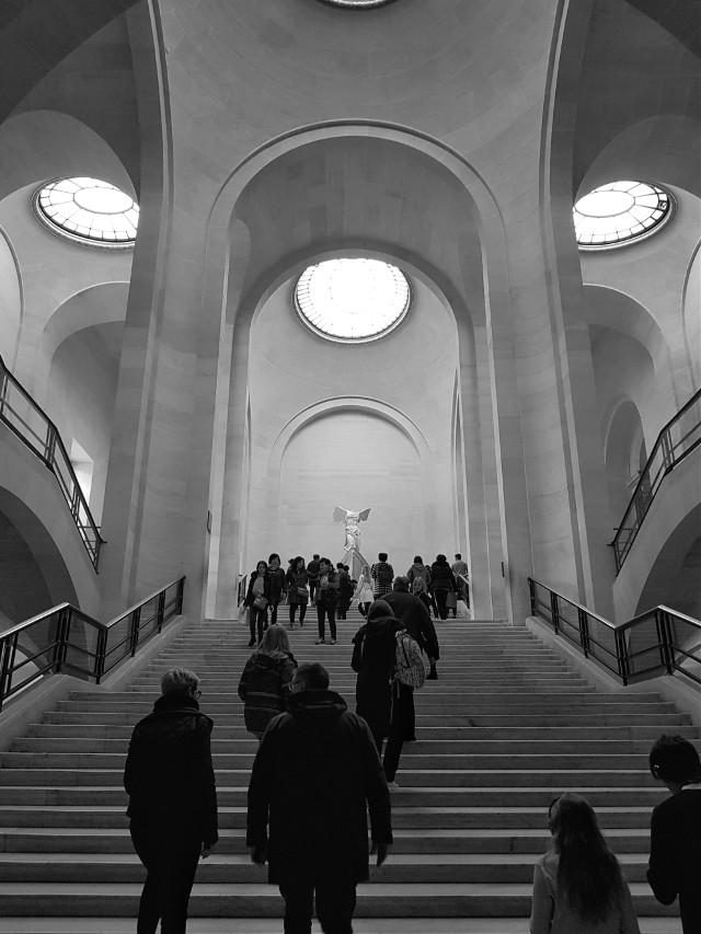 #museodelouvre #muséedulouvre #bnwphotography #bnw #blackandwhite #paris🇫🇷