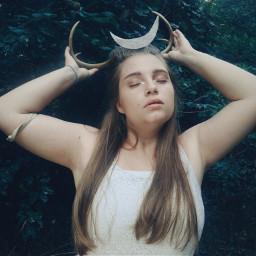 modeling nature goddess artemis hunting