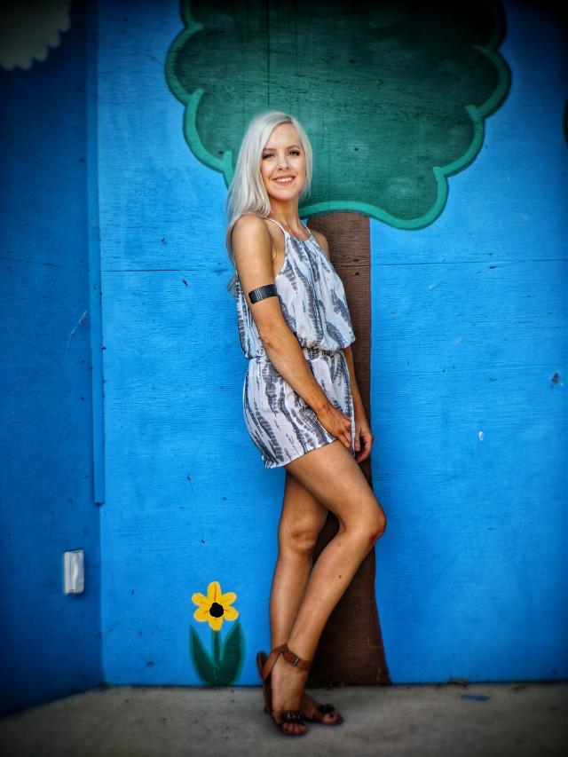 #Sunflower #blonde #model #mural #portraitphotography #photoshoot #wife #september #fall #beautiful