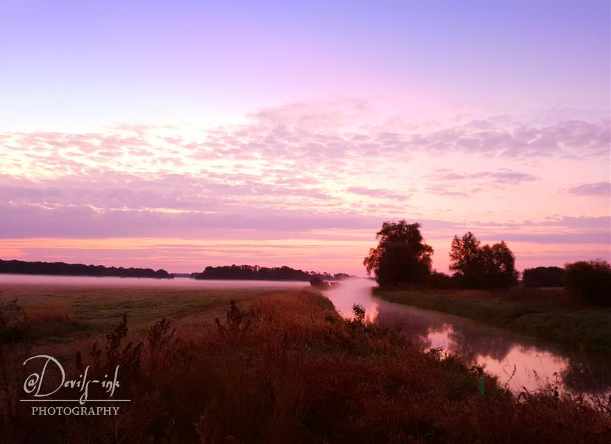 Have a wonderful autumn morning, my dear PicsArt friends🍃🍂🍁 🤗☕☕☕  #morning #dawn #foggy #meadow #creek #colorful #sky #freetoedit