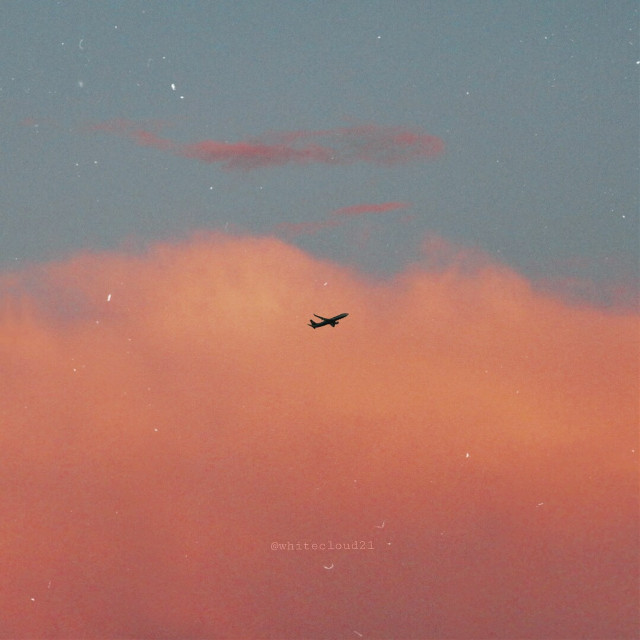 ✈☁ #myphoto #sky #airplane #colorful #pinksky #sunset #lightblue #coloursofnature #photographedbyme #fly #mil2 @picsart