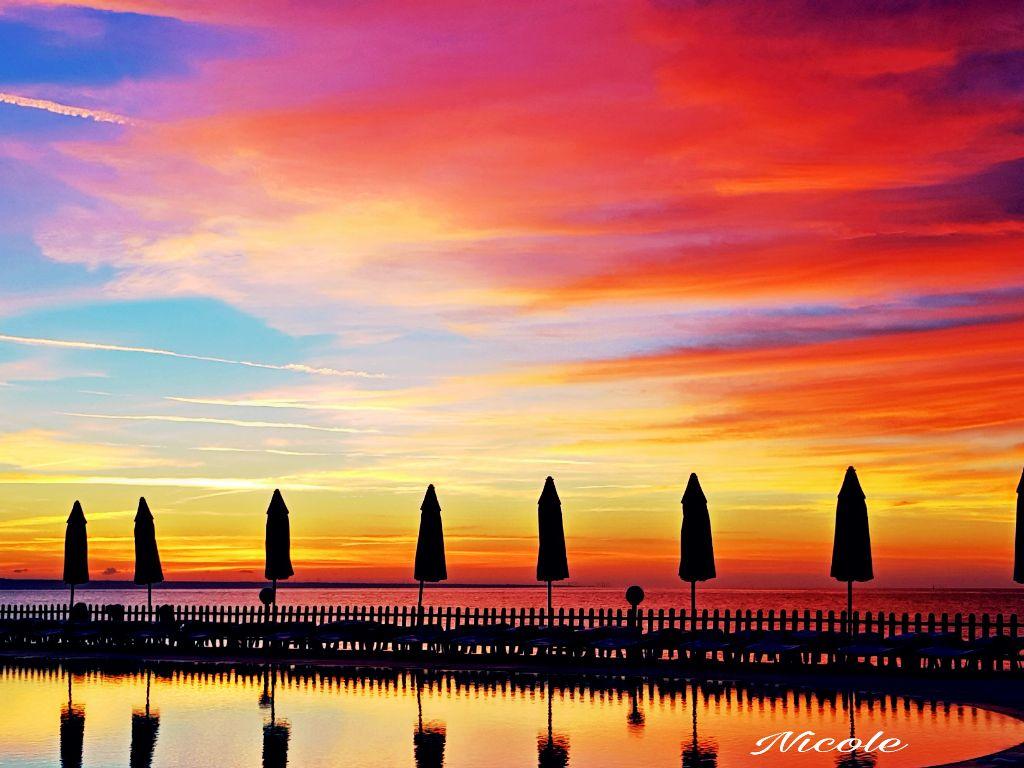#pccolorfulsunsets #colorfulsunsets #pclakes #lakes