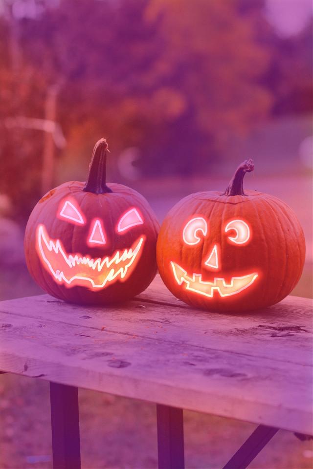 HAPPY HALLOWEEN 🎃🎃 #freetoedit #halloween #neon #NeonBrush