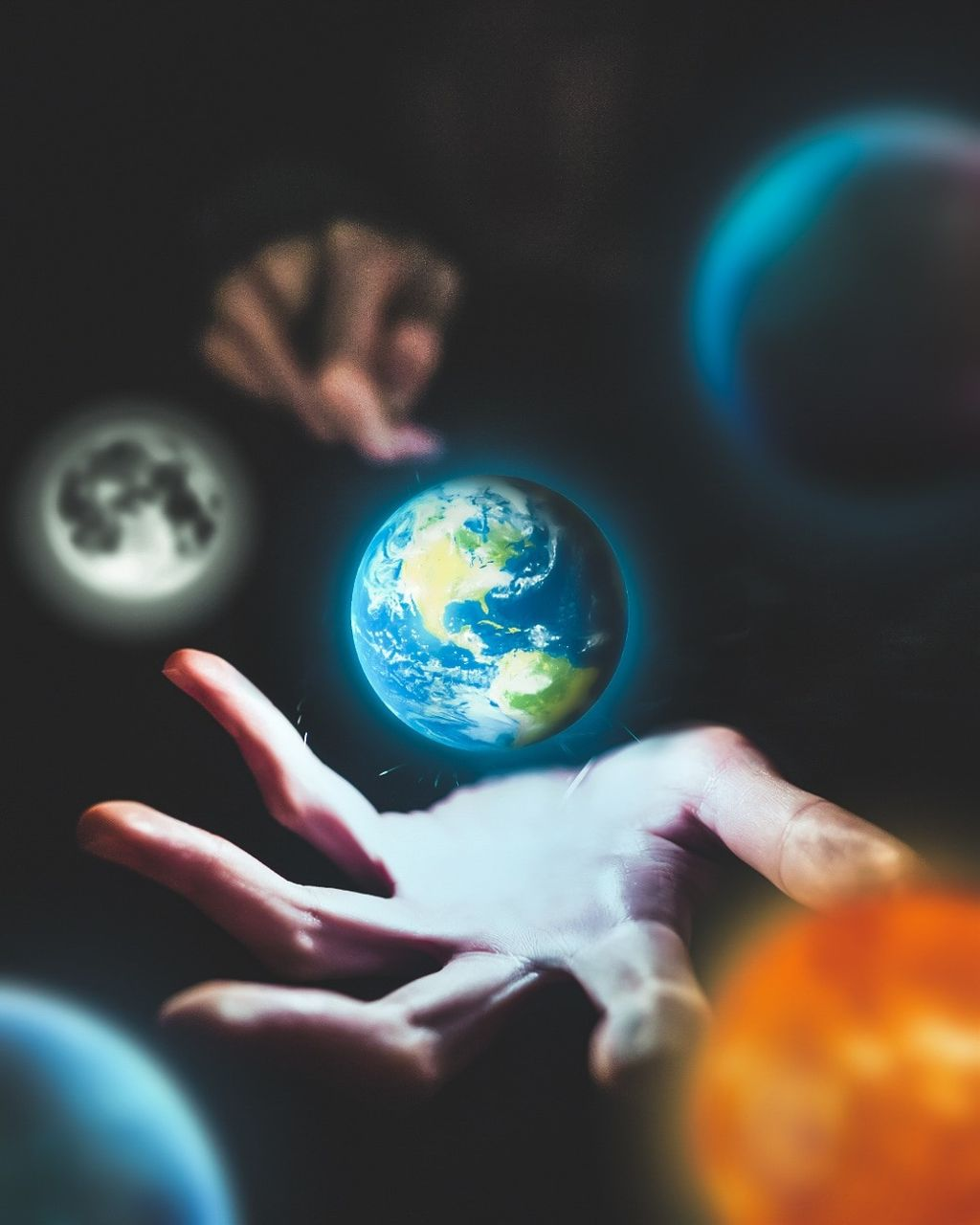 Earth in the hand 🔥 #visualart  #freetoedit #repost #featureme #featurethis #picsart @picsart