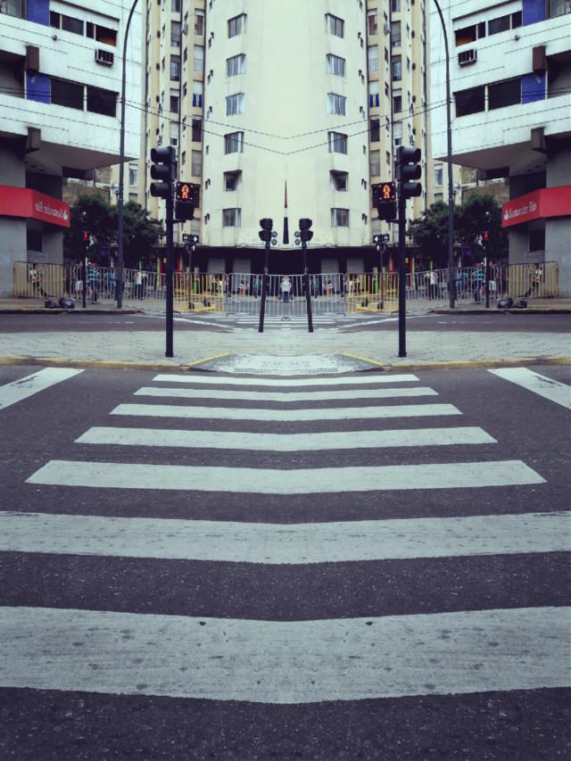 #ciudad #buenosaires #laplata #edificios #peatonal