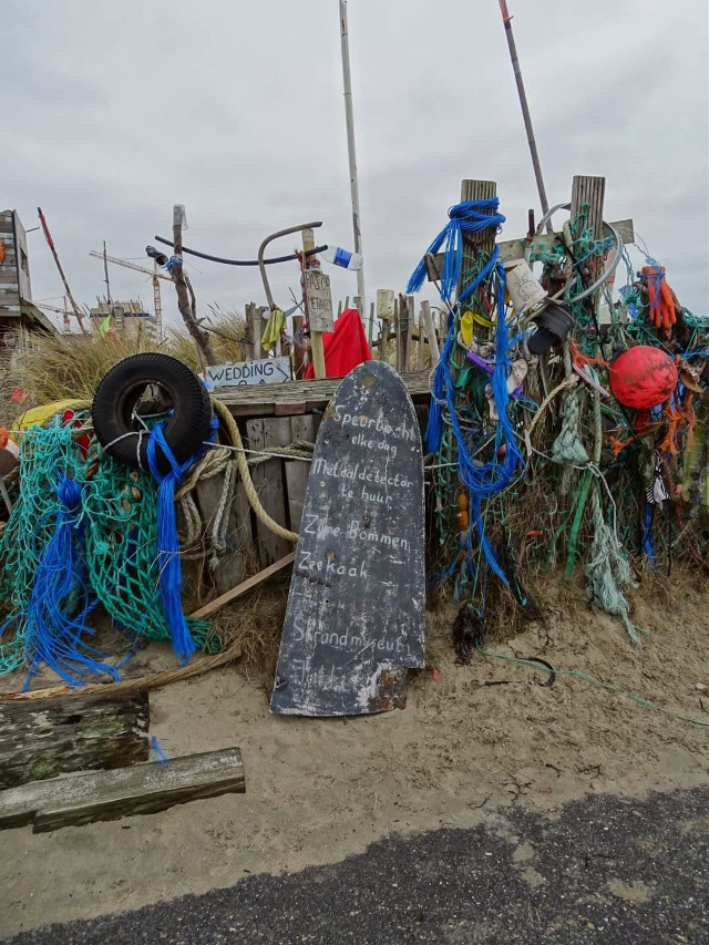 #beach #beachcomber #beachhut #waste #beachcleanup #kijkduin  #photography #myphoto  #freetoedit