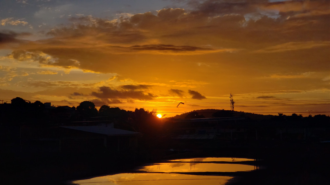 #s9 #s9plus #samsung #s9+ #clouds #horizon #nature  #Landscape #sky #skylovers #freetoedit  #horizon #throughmylense  #sunsetphotography #naturelover #life #colorful #sunset #sunny #sun #myphoto #myphotographs #yellow #pink #light  #pcdaylight #daylight #black #golden #goldenyellow