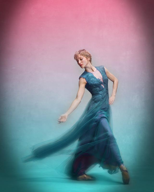 #freetoedit #woman #dancer #poparteffect #gradientcolors #motionblur #vignette #adjusttools #minimaledit #keepitsimple #myedit #madewithpicsart