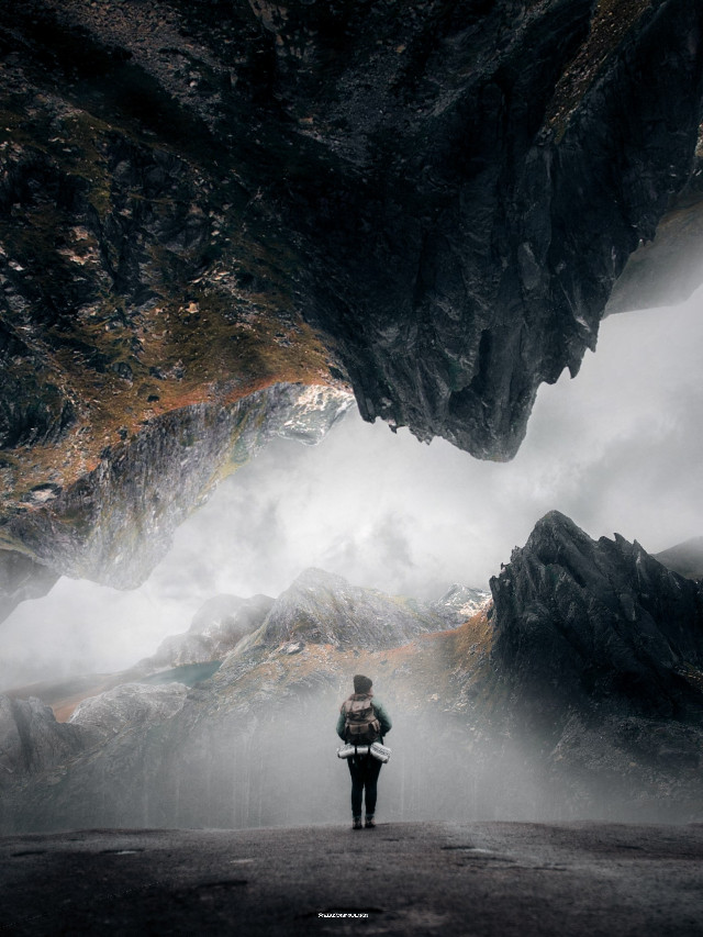 #freetoedit #woman #nature #mountain #hill #fog #madewithpicsart @picsart