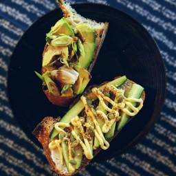 vegan vegetarian avocado lunch sandwich