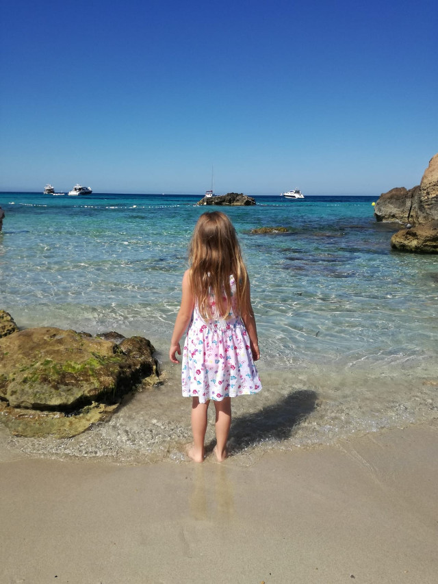 #freetoedit #landescape #beach #sea #ibiza #mia nipote..sguardo verso l'orizzonte...20-06-2019