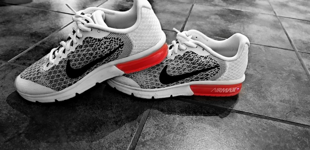 I'm in love with my new nikes ♡  #nikeair #colorsplash