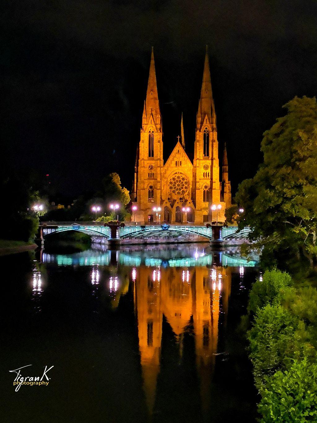Beautiful nights in Strasbourg. #cathedral #strasbourg #alsace #france #bridge #reflection #nightshot #beautifulfrance #labellefrance