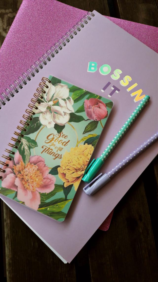 #backtoschool #shopping #shoppingtime #bts #beautiful #notebooks #calendar #lovely #pastel 💚💜💛   #freetoedit