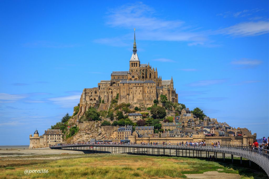 I ❤ this place.. #photography #travel #architecture #colorful #special #france #emotions #montsaintmichel #normandie