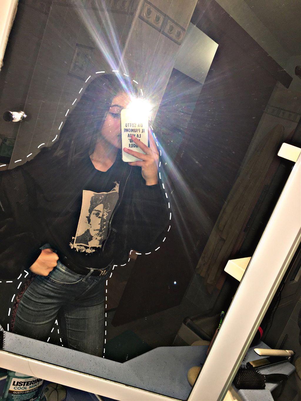 #edit#girl#art#eyeliner#outfit#italy#black#jeans#flesh#photo#iphone#mirror#girls#party#tshirt#hair#bathroom#photography#milan#fashion 𝗙𝗢𝗟𝗟𝗢𝗪 𝗠𝗘 𝗢𝗡 𝗜𝗡𝗦𝗧𝗔𝗚𝗥𝗔𝗠 @giorgiaacaico🔪 #freetoedit