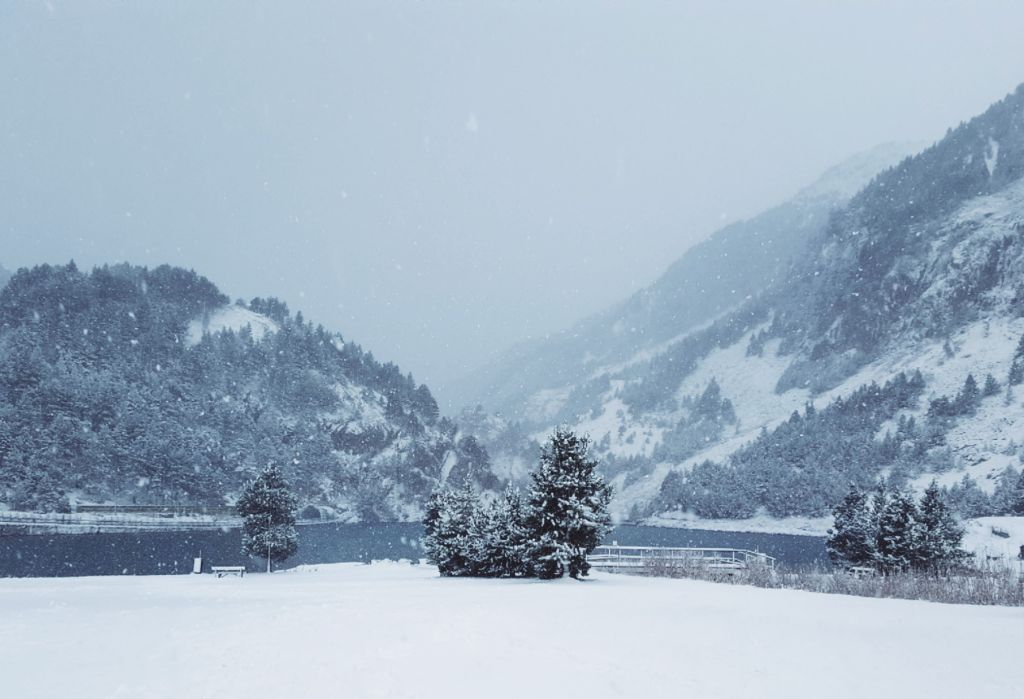#mountains #valley #snow #snowy #winter #photooftheday #pcgloomyweather #photography