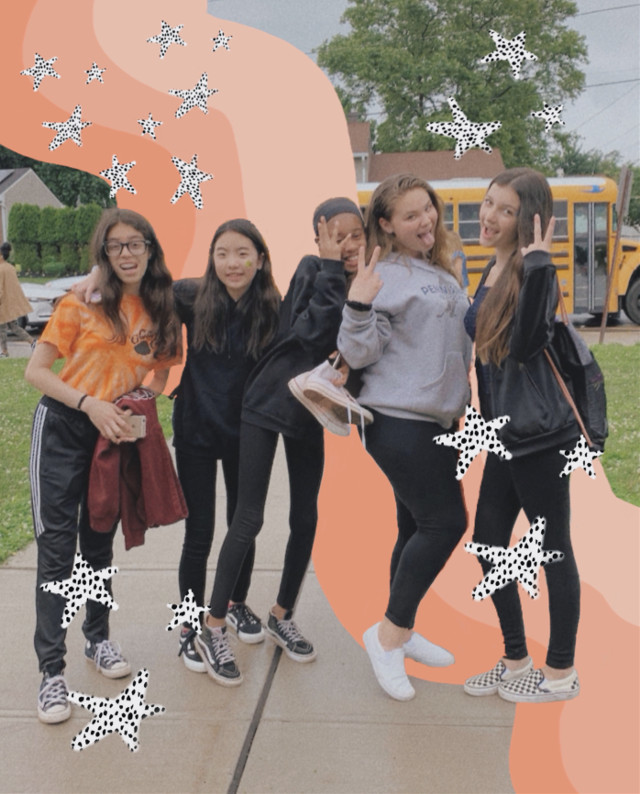lol same pic but different editing #friends #vsco  #freetoedit