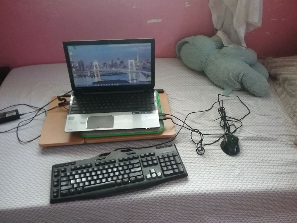 Comfort days  #freetoedit #laptop #room