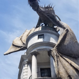 harrypotter gringottsbank universalstudios pcstatue statue