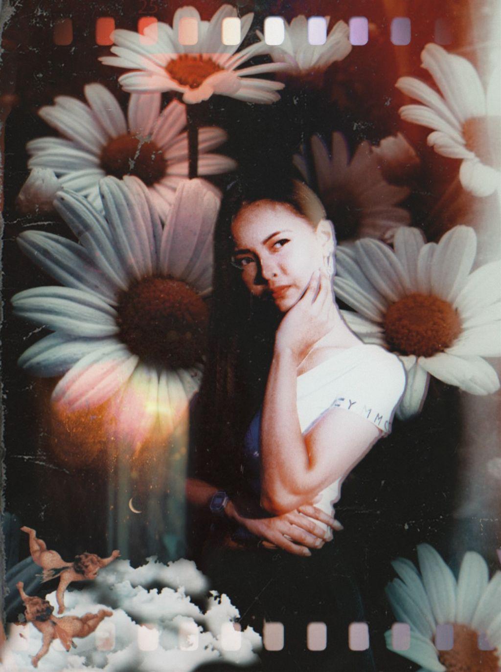 #overlay #heypicsart #myedit #portrait #cutout #girl #woman #flowers #be_creative #creativity #beautiful #aesthetic #artisticedit #oldeffect #inspiration #myremixedit #madewithpicsart #edits #picsart @picsart